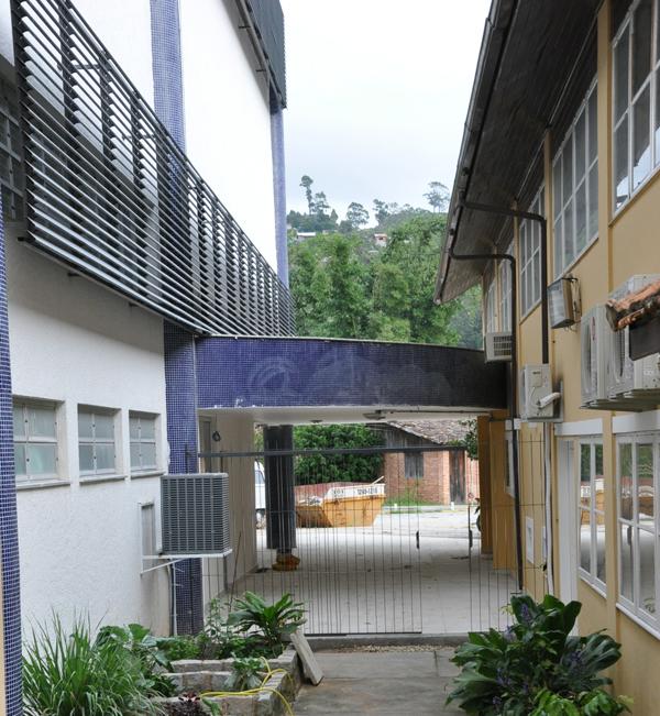 O prédio novo e o antigo; acervos não precisarão circular pelo ambiente externo graças à integração arquitetônica. Fotos: Wagner Behr/Agecom