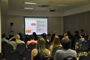 A pesquisa do estudante de Física, Matheus de Mello, foi apresentada pela primeira vez no SIC da UFSC. Foto: Wagner Behr/Agecom/UFSC