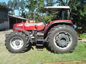 Máquina comprada com recursos CT-Infra já está em operações na Fazenda Ressacada (Foto: Divulgação/Propesq)