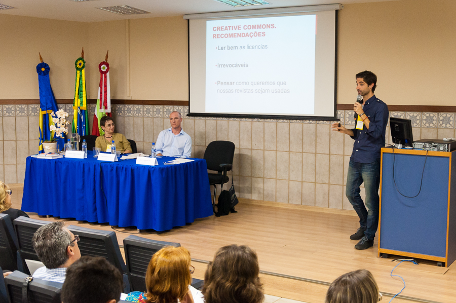 Ciclo de Debates Periódicos - Licenças - Foto Henrique Almeida-9