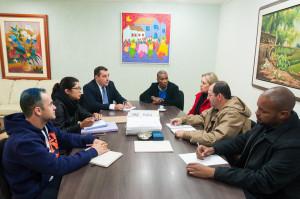 Reunião realizada no início de junho entre a Administração Central e a Polícia Civil de Santa Catarina para discutir a criação de uma Delegacia da Mulher no campus UFSC Trindade. (Foto: Henrique Almeida/Agecom/UFSC)
