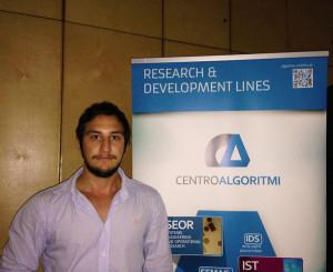 A pesquisa de Isaias está conectada ao trabalho que desenvolve no país, no caso como técnico da UFSC (Foto: Acervo Pessoal)