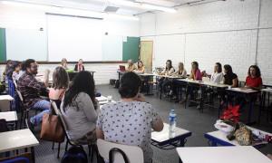Orientação aos participantes das bancas de defesa de TCC em Florianópolis. (Foto: Mayra Cajueiro Warren/Agecom/UFSC)