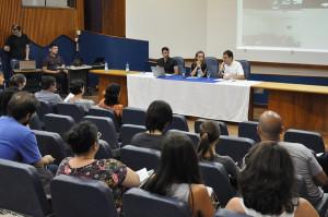 Reitor Luiz Cancellier fala sobre redução da carga horária e ponto eletrônico durante mensagem de boas-vindas. (Foto: Ítalo Padilha/Agecom/UFSC)