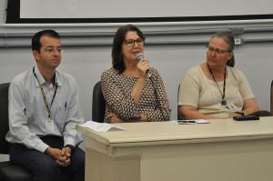 Superintendente do HU, Maria de Lourdes Rovaris, fala aos residentes. (Foto: Ítalo Padilha/Agecom/UFSC)