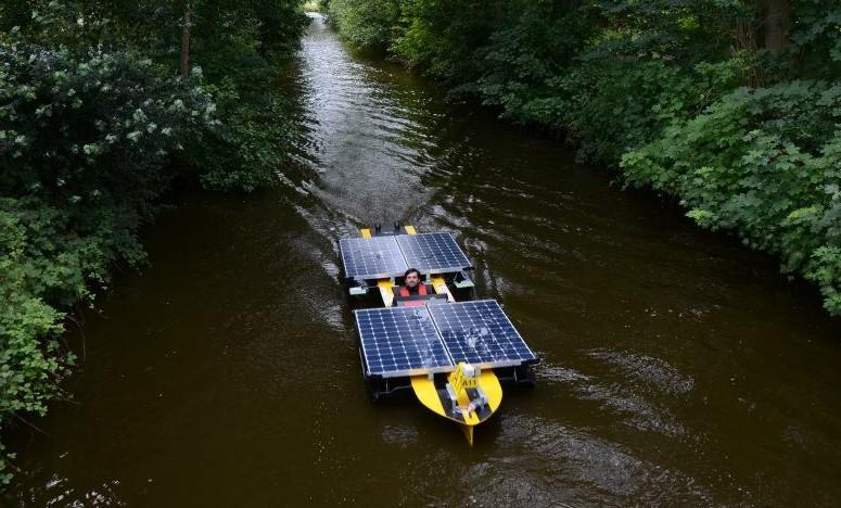 Oxum na competição mundial de barcos solares, na Holanda. Foto: Marina Lisboa Empinotti