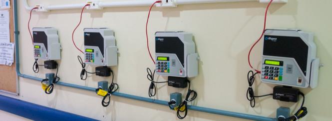 Novas maquinas ponto eletrônico - Foto Henrique Almeida-4