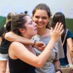 Visivelmente emocionados, os estudantes celebravam (Foto: Henrique Almeida/Agecom/UFSC)